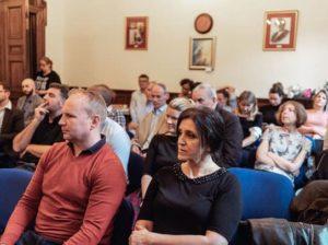 curiosity content marketing audience