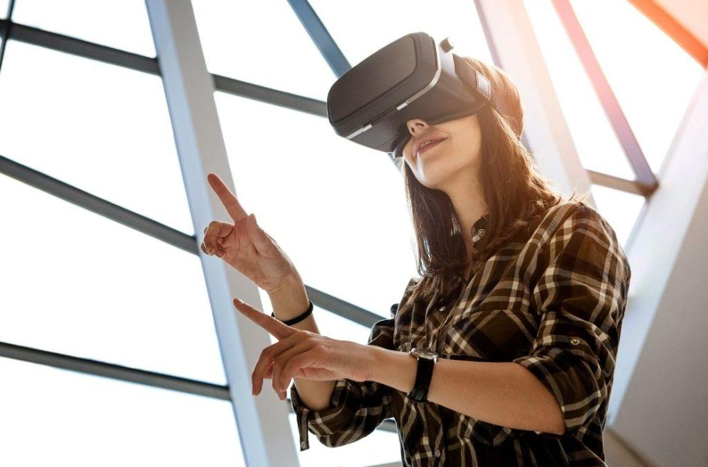 woman using AR/VR